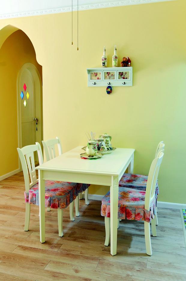 田园 二居 书房设计 苹果装修 餐厅图片来自武汉苹果装饰在苹果装饰-中民仁寿里的分享