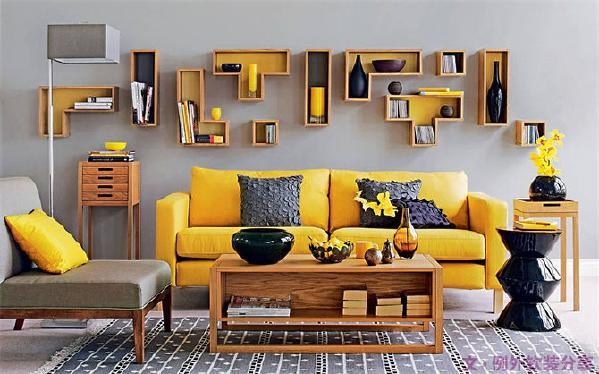 这样个性的家具随你选择组合,绝对是你彰显个性的最佳软装设计搭配的选择。带有英文字母的小块地毯,既能用它在家玩单词接龙,还能拼接纵横有序的形状,像是为房间铺设好的小路。