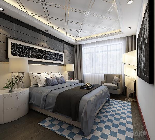 卧室独立的衣柜,蓝色调的床单,不老气不调皮,彰显了主人的个人喜好和气质