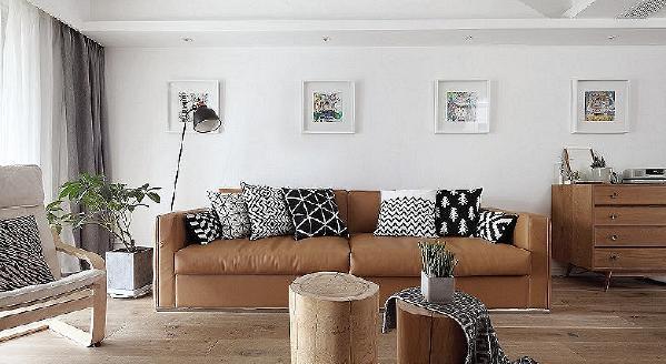 客厅图片来自家装大管家在黑白灰基调 112平北欧自然3居室的分享