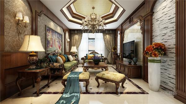 客厅以木质家具为主,暗色的橡木家具,更显得华贵大气。整体墙面都是大马士革花纹壁纸,以衬托美式风格的浪漫。吊顶也都是木质造型吊顶,还有各种美式风格的装饰品。华丽的水晶吊顶都以衬托美式风格的情调