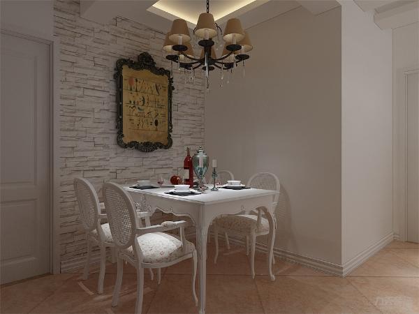 餐厅背景墙使用白砖壁纸,加以欧式风格的装饰画,营造出文艺感。客餐厅采用通铺地砖,在视觉上增大空间。