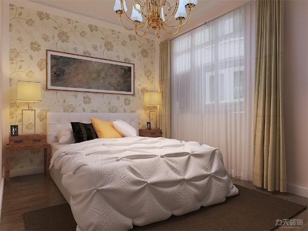 卧室整体温馨舒适,整体空间为暖色调壁纸,配以实木的家具加上充足的采光使床头增加活力。让卧室更加魅力。入户过道给人眼前一亮的感觉,让人感觉特别温馨
