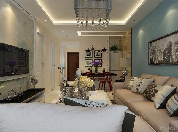 客厅中的沙发,虽然没有了欧式的华丽与繁琐,但是它的简单大方依然很美丽。