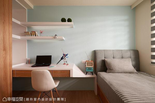 规划完整的起居机能,创造舒适便利的卧室空间,壁面选用浅蓝跳色,替小孩房增加活泼调性。