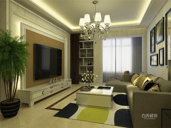 客厅空间讲究的是时尚的现代化气息,电视背景墙采用大理石圈线内圈灯带的造型使墙面更奢华,地面800*800的米黄色地砖使空间看起来更有时尚感,透着现代化的气息,而且客厅阳台的休闲椅更是当代年轻人所喜爱的