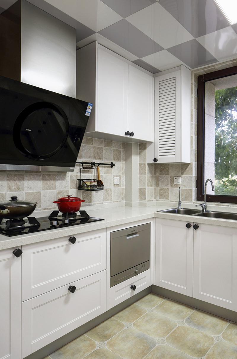 三居 小资 收纳 厨房图片来自周晓安在晓安设计 | 焕彩人生 | 简美的分享