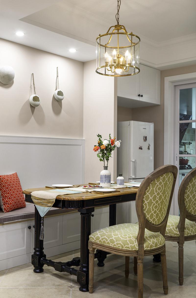 三居 小资 收纳 餐厅图片来自周晓安在晓安设计   焕彩人生   简美的分享