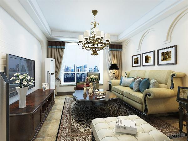 客厅作为待客区域,整体设计简洁明快,同时装修较其它空间要更明快光鲜,通常使用大量的石材和木饰面装饰,实木的纹理,清新的布艺沙发使整个客餐厅空间宽敞而富有历史气息。