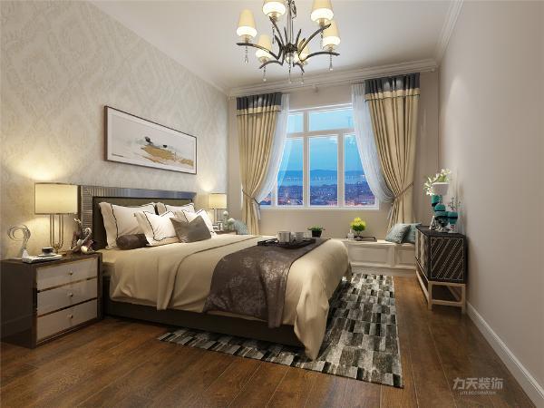 卧室地面采用强化复合地板。整体设计给人高档奢华,温馨舒适的感受。
