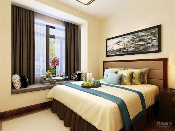 主卧与次卧,适合业主居住的同时还能在卧室看电视,业主有独立的办公区,独立的书房。 功能区域分明,动静区域分布明显,通风好