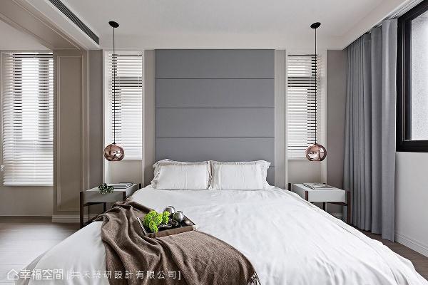 女主人心中向往古典风格,利用柔的色调与简约线板,铺陈唯美浪漫的空间氛围。