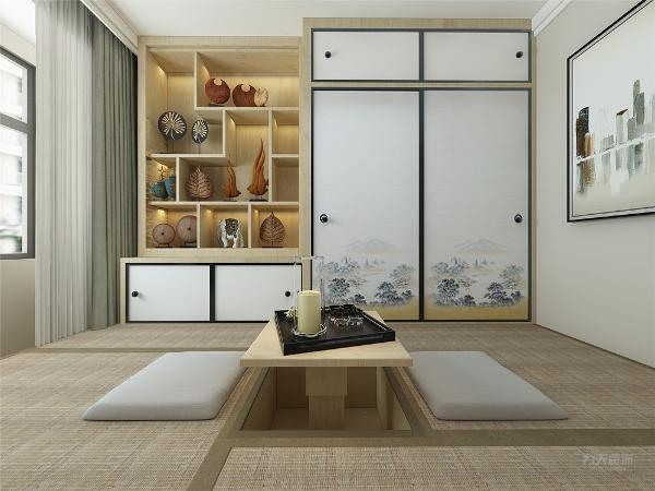 主卧室地面强化复合地板顶面贴角线,床头背景挂挂画做装饰