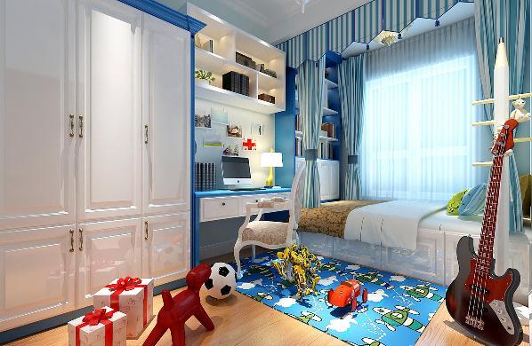 儿童房整体以蓝色为主,因为这里是家里小男孩住,小孩在上小学三年级,正是淘气的时候,所以在这个房间留出了大量的空间供孩子玩耍,并且为小孩子准备了很多储藏玩具的空间