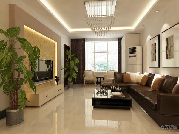 主卧采用强化复合地板 ,次卧采用强化复合地板,顶上贴有一圈石膏线,显得空间特别开阔;