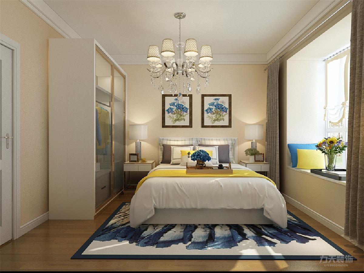 卧室顶面做了叠级石膏线,铺设复合木地板,墙面和客厅一样,淡黄色乳胶