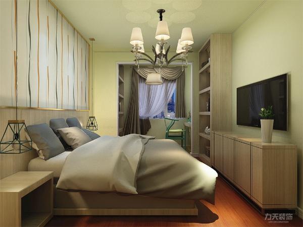 卧室的设计中,我们同样采用兰黄色乳胶漆,暖调使卧室更加温馨更加的舒适。整给空间简洁明了,利用率高,打造出了别样的现代美~