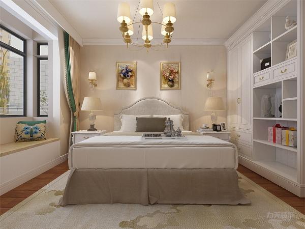 主卧采用强化复合地板,顶面贴有石膏线,主卧有飘窗,采光充足,视野开阔