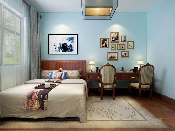卧室则是简约处理无吊顶,厨房卫生间则是采用集成吊顶。两个次卧其中有一个改成以书房为主的空间,另一个则是以居住为主,这两个空间是一淡蓝色乳胶漆为主,而主卧及客餐厅则是以浅咖为主色系,使整体空间明亮干净。