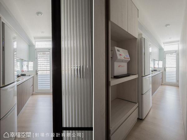 厨房深度增加后,电器柜得以顺利进驻,还加装玻璃拉门,让光线穿透又隔绝油烟。