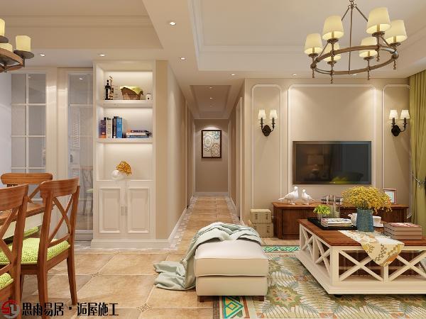淡色系的墙面、天花板、吊灯与深色系的茶几、电视柜,不经意中也成就了另外一种休闲式的浪漫,将家变成释放压力、缓解疲劳的地方,让人感觉温暖而舒适。