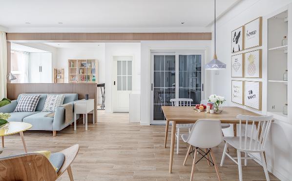 半高的隔墙并不是很生硬的将每个空间划分开来,而是隔中有连接,断中有连续,将客厅、餐厅、书房空间与元素很好的串联起来,形成了清爽简洁干净的北欧风格。