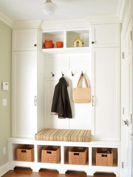 护墙板与柜子的造型结合,无遗漏的打造精致收纳环境。