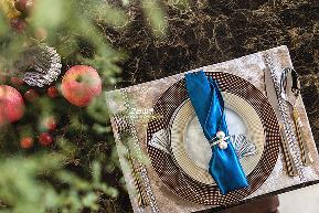 简约 三居 白领 收纳 80后 小资 中式 文艺青年 舒适 餐厅图片来自中博装饰在龙湖明景台新中式知性居家的分享