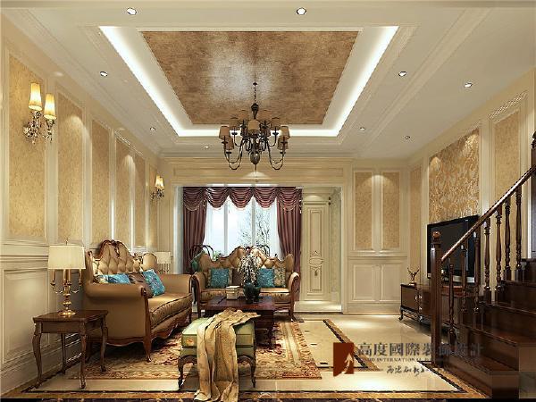 整个风格豪华,富丽,具有强烈的动感效果。色彩上的独具匠心为居所营造出雅致,奢华的氛围。