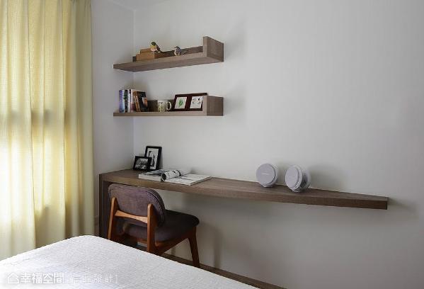 设计应该是多元且富创意的,例如客房就以系统板材在桌面及层板造型做变化。