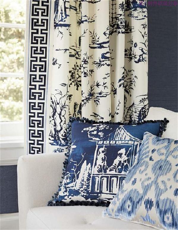 清风醉,眼迷离,窗帘上、地毯子上盛开的青花撩拨着沉静内敛的心思。   只盼时光你慢慢走,待君将这蓝韵收纳心中。