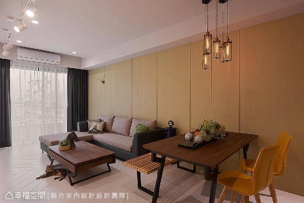 经跳色处理形成墨绿色造型墙,作为空间分水岭以中和色彩视觉,串联灰色天花板和白色地板。