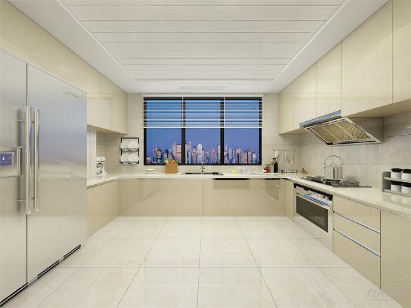 厨房通透明亮,吊柜节省储物空间