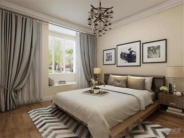 卧室的空间,地面为强化复合地板。主卧的左面为客厅,地面采用800*800地板。整体设计给人高档奢华,温馨舒适的感受。