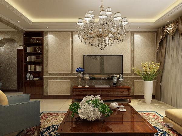 欧式客厅用家具和软装饰来营造整体效果,深色的像木和枫木家具,色彩鲜艳的布艺沙发,都是本案欧式客厅里的主角