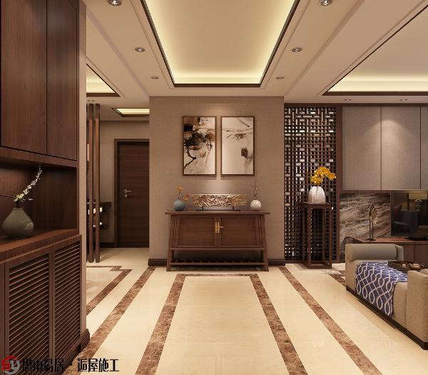 玄关处的水墨画、木质实木的鞋柜,既能与室内形成良好的衔接,又能显示出主人的品味和兴趣爱好。