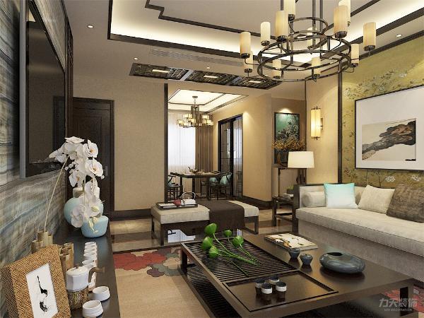 客厅作为待客区域,所以在设计中融合了宫廷式装修手法,多出用黄色来衬托整体的颜色。给人一种端庄的体验。