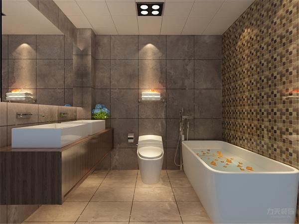 卫生间有浴缸的设置,卫生间装的很有档次