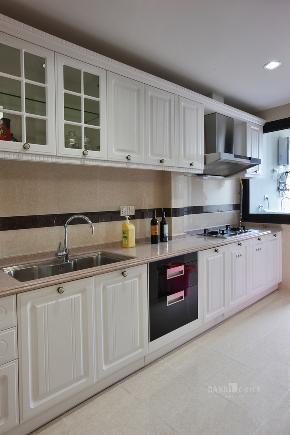 厨房图片来自名雕丹迪在纯水岸联排别墅新古典装装修的分享