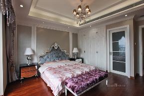 卧室图片来自名雕丹迪在纯水岸联排别墅新古典装装修的分享