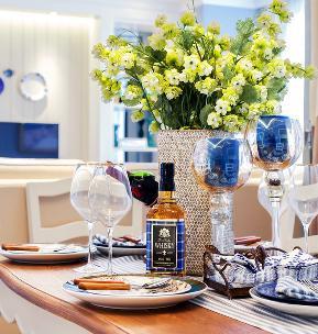 简约 田园 二居 白领 80后 小资 餐厅图片来自乐粉_20170523094252350在89平米地中海风格样板房的分享