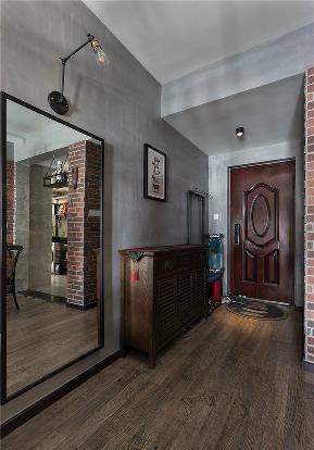 玄关图片来自家装大管家在86平温暖工业风婚房 色彩的魔力的分享