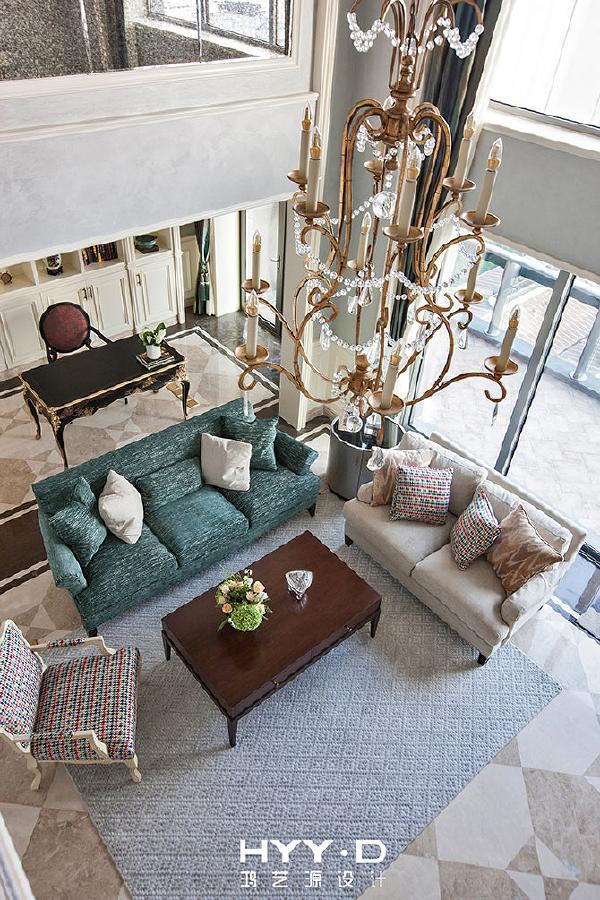 客厅 古罗马哲学家西塞罗曾说:一切顺乎自然的东西,都是美好的,这在设计师笔下的客厅空间中亦可见一斑。