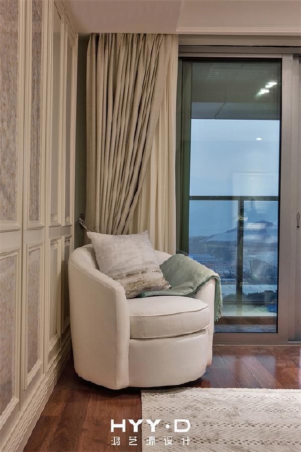 女孩房 家永远会给你最亲密的拥抱,呷一口热茶,远眺窗外风景,彷佛坐拥一室,即能拥纳天地。