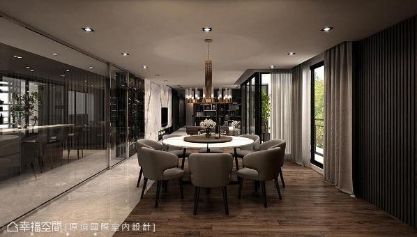 用餐空间摆设圆桌象征圆满之意,并于座位区铺设温润感木地板,细腻划分使用场域。