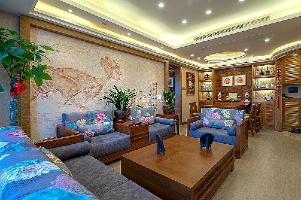 沙发 茶几 背景墙
