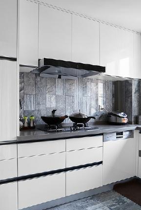 厨房图片来自家装大管家在雅致生活 110平简约美式舒适3居的分享