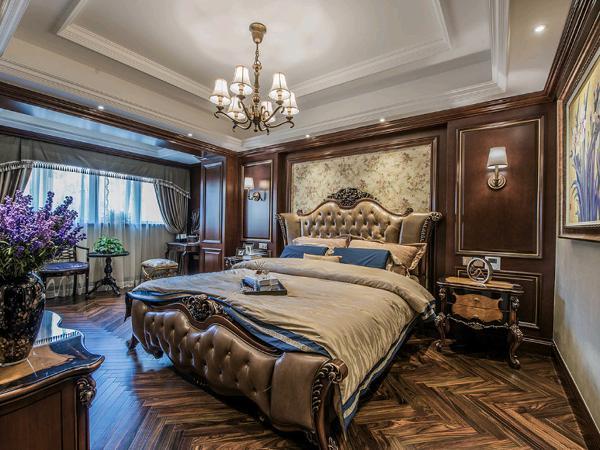 主人卧室,延续了客厅的调性。
