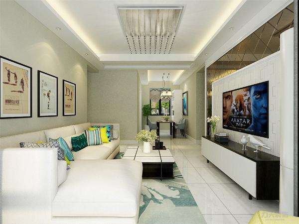 电视背景墙的茶镜与壁纸与吊顶相呼应,阳台两侧带有定制柜子,增加更多的储物功能。