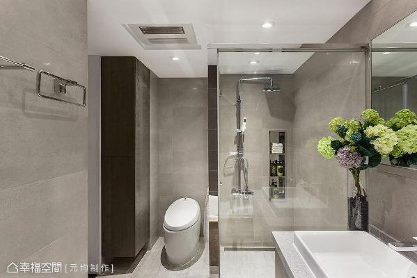以仿石材磁砖做异材质结合,更设计内嵌式不锈钢收纳柜,满足置物需求。